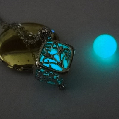 Glow in the Dark Necklace with Tree of Life Pattern Luminous Stone Locket Pendant Maxi Necklace for Unisex Silver Plated Jewelry