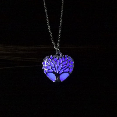 Wholesale Hollow Heart Shape Pendant Necklace Tree Of Life Luminous Jewelry Necklace For Women Glowing in the Dark Best Gift