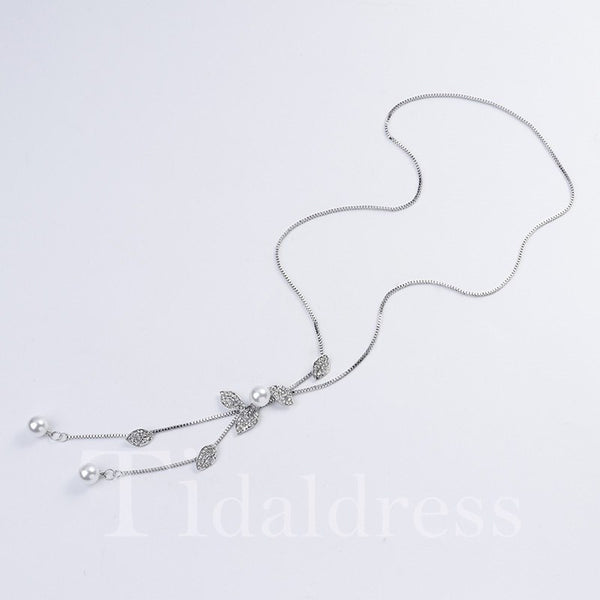 Bowknot Pattern Pearl Inlaid Technic Snake Chain Necklace