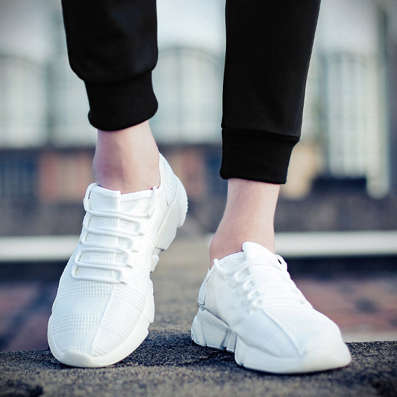 Low-Cut Upper Lace-Up Round Toe Sneakers