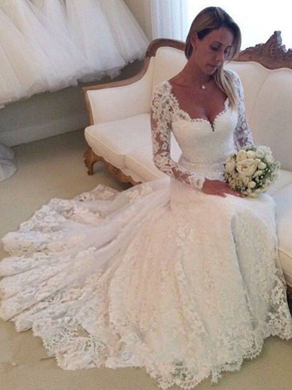 Lace Long Sleeves A-Line V-Neck Garden/Outdoor Wedding Dress