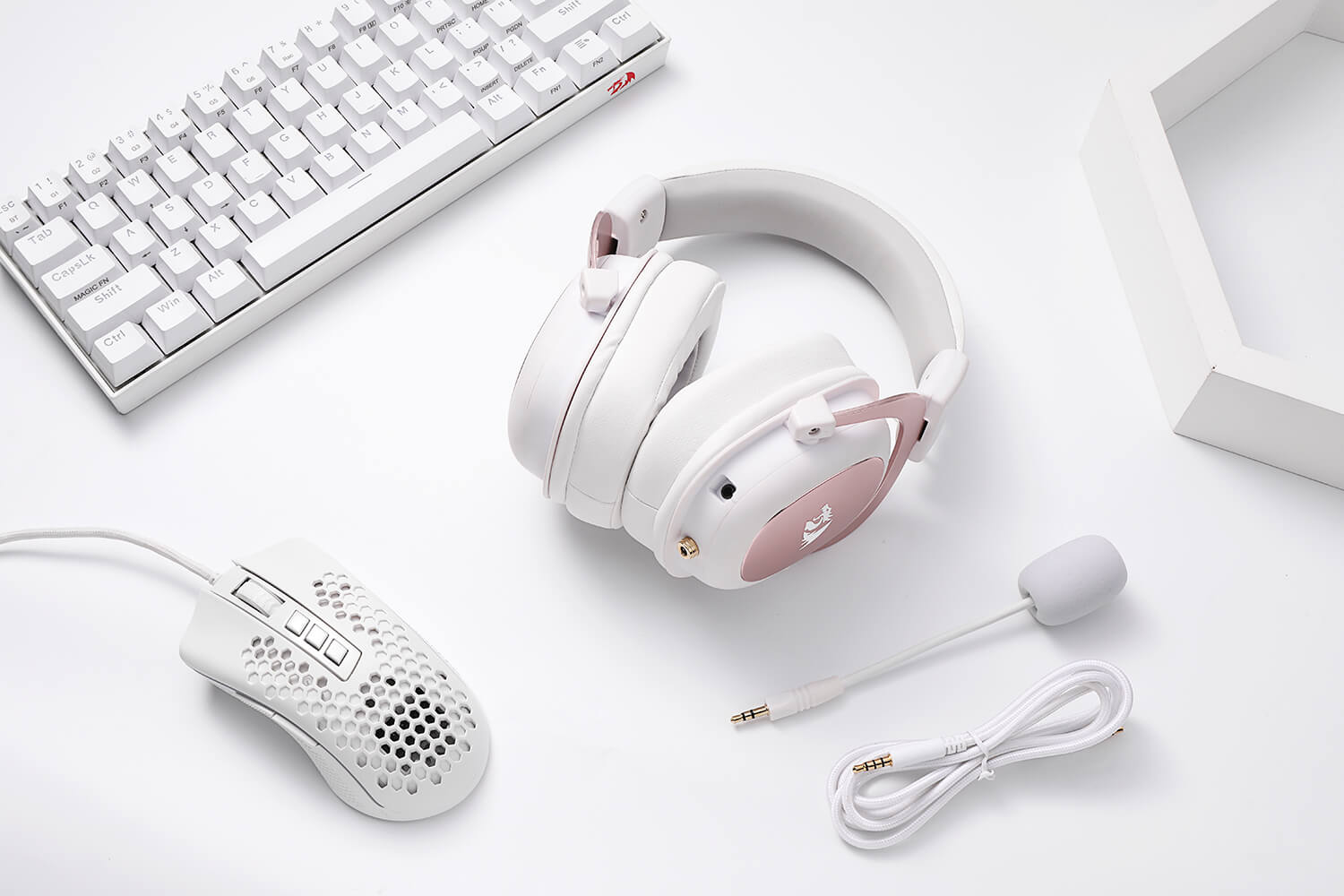 redragon white and pink gaming headset 2