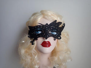 Lace crystal masquerade mask