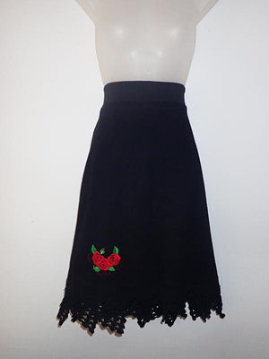 Stretch skirt with roses size 10