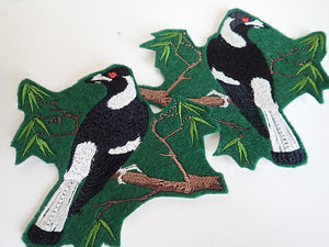 Australian birds, Magpie iron on patch