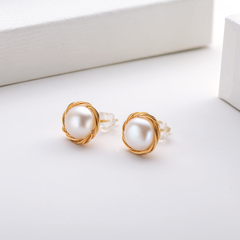Natural Cultured Freshwater Pearl Earring
