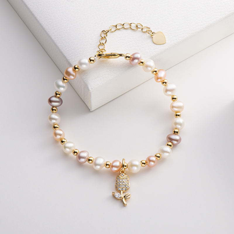 Lovely  Flower Natural Cultured Freshwater Pearl Bracelet