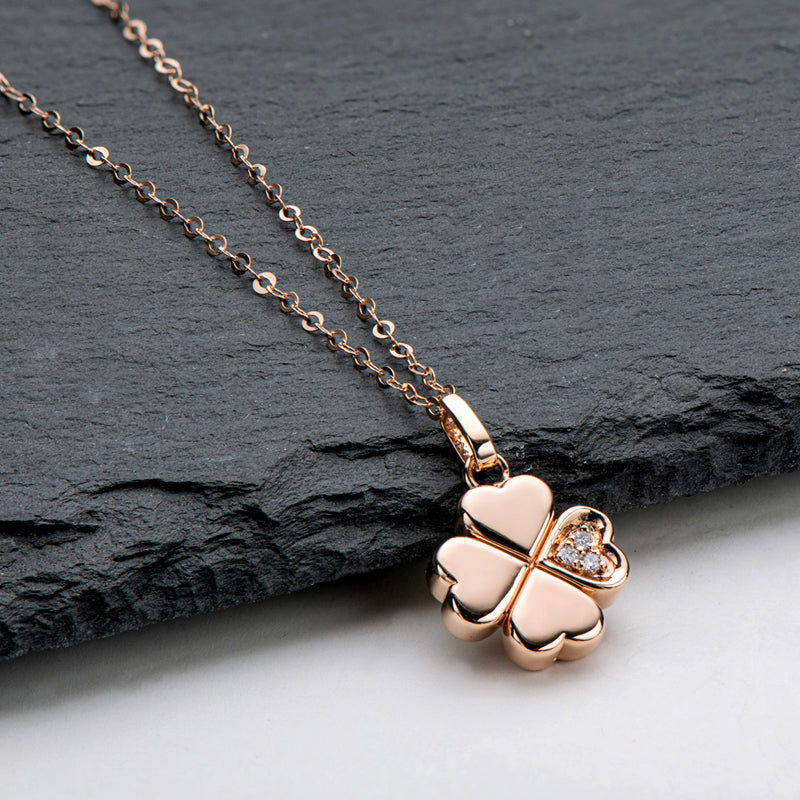 18K Rose Gold 0.016ct Natural Diamond Sweet Heart Clover Pendant Necklace