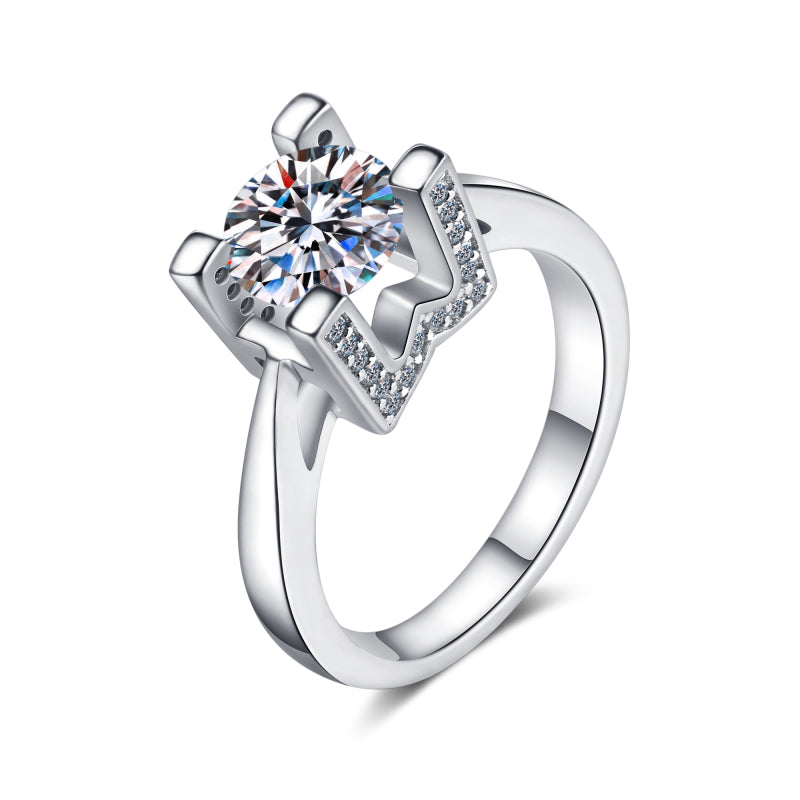 Round Cut Moissanite Diamond The Letter W Ring