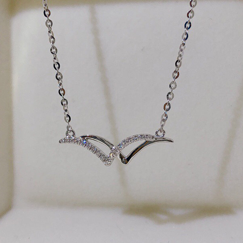 18K Gold 0.055ct Natural Diamond Seagull Necklace Color H, Clarity SI