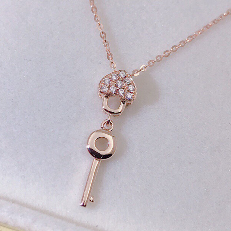 18K Gold 0.07ct Diamond Heart Shaped Hanging Key Pendant Necklace