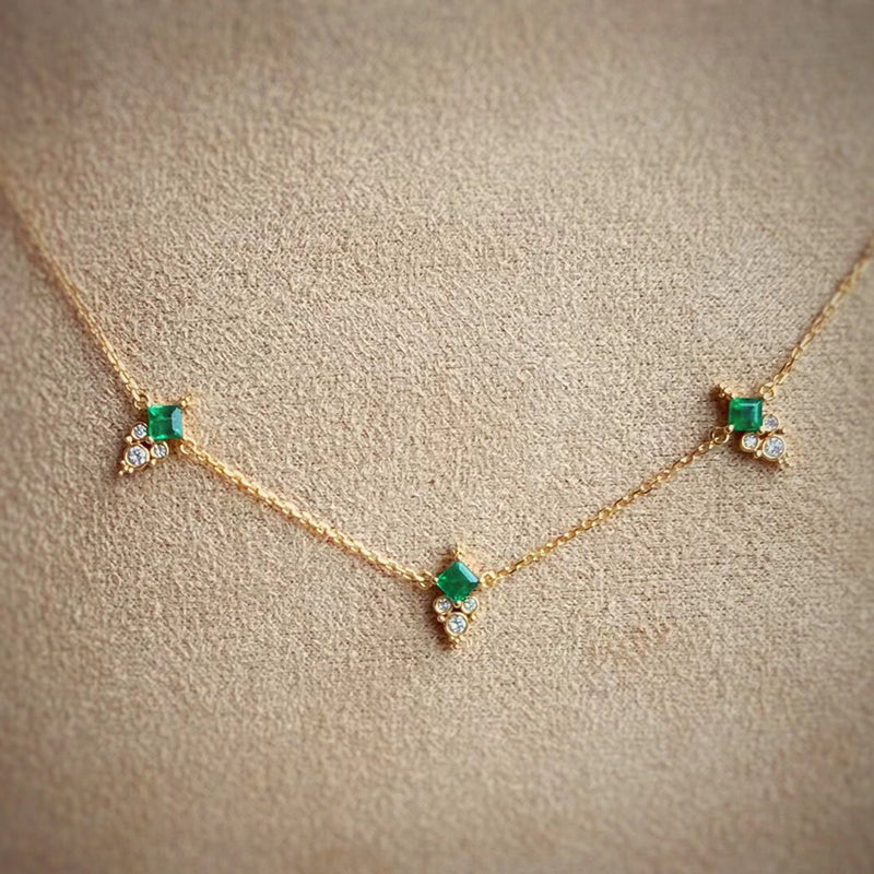 18K Gold Square Cut 0.25ct Natural Emerald 0.08ct Diamond Necklace 16.4""