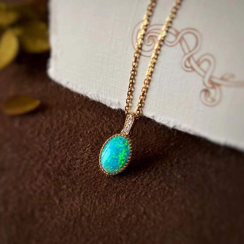 18K Gold Oval Cut 0.40ct Natural Opal 0.01ct Diamond Pendant Necklace 18""