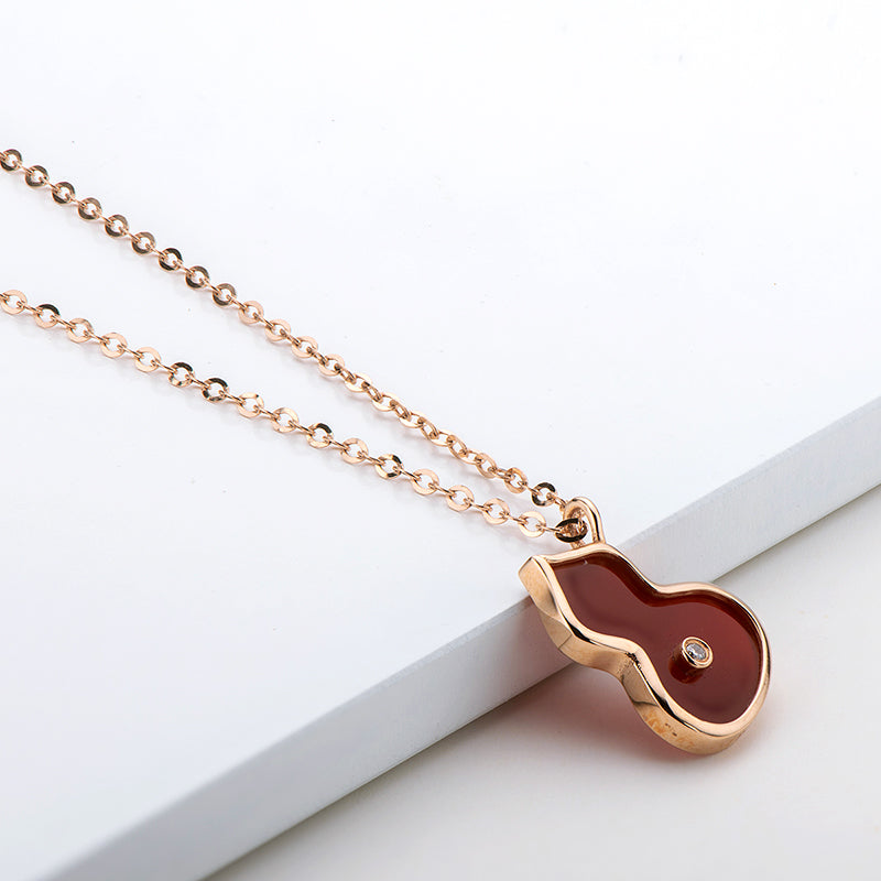 18K Rose Gold 0.005ct White Diamond Natural Red Agate Gourd Shape Pendant Necklace