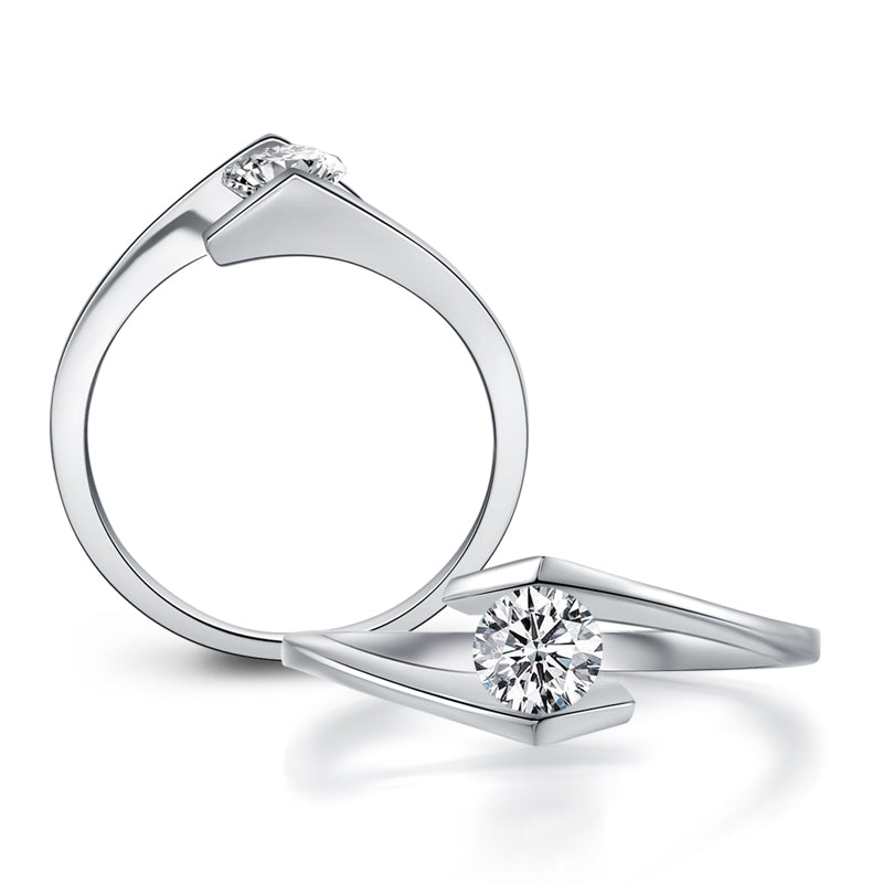 Round Cut Moissanite Diamond Solitaire Ring