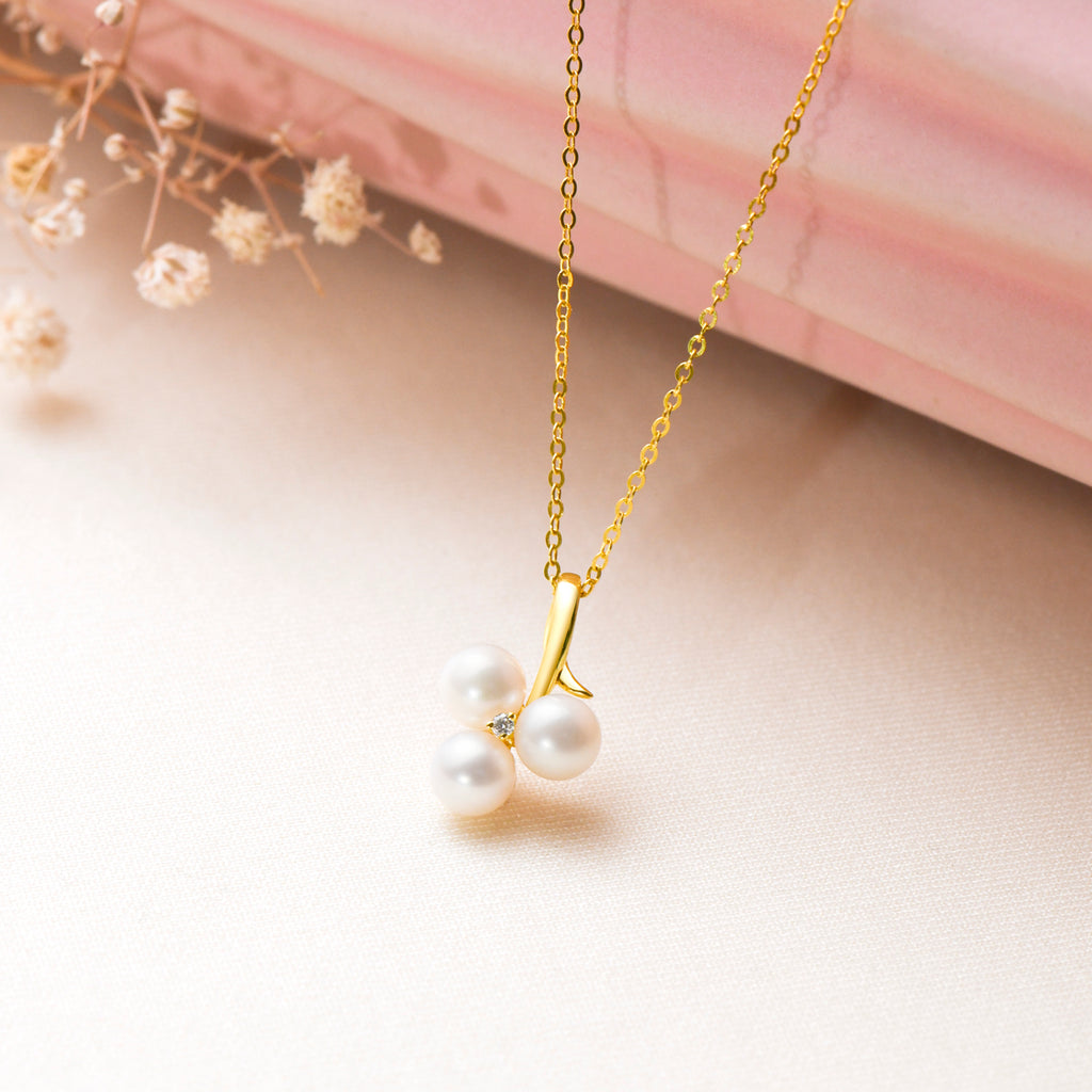 18K Gold Freshwater White Pearl Pendant Necklace and Diamond with Silver Chain