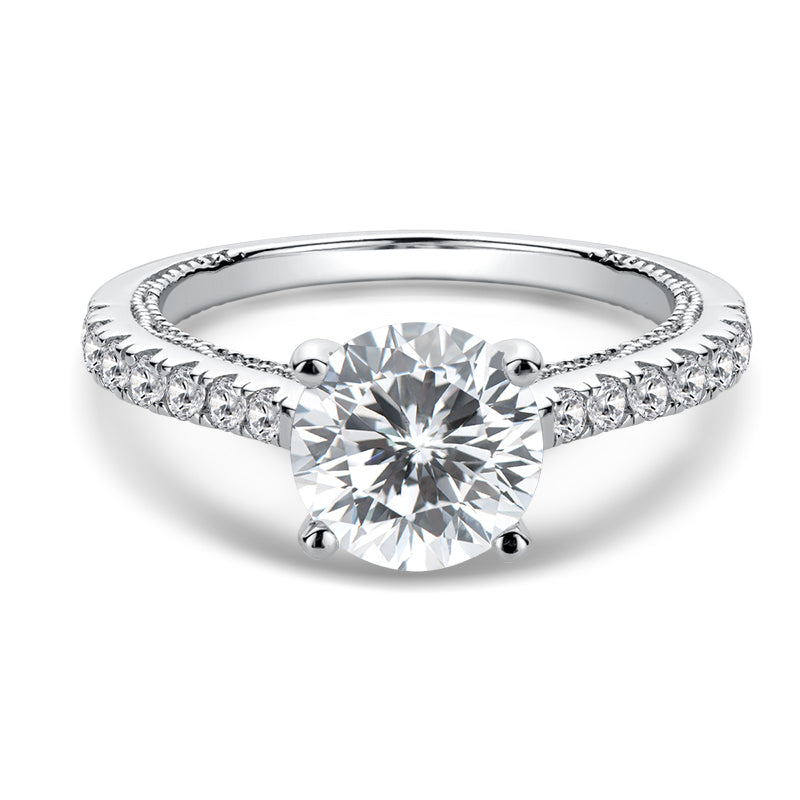 Vintage Round Cut Moissanite Diamond Ring