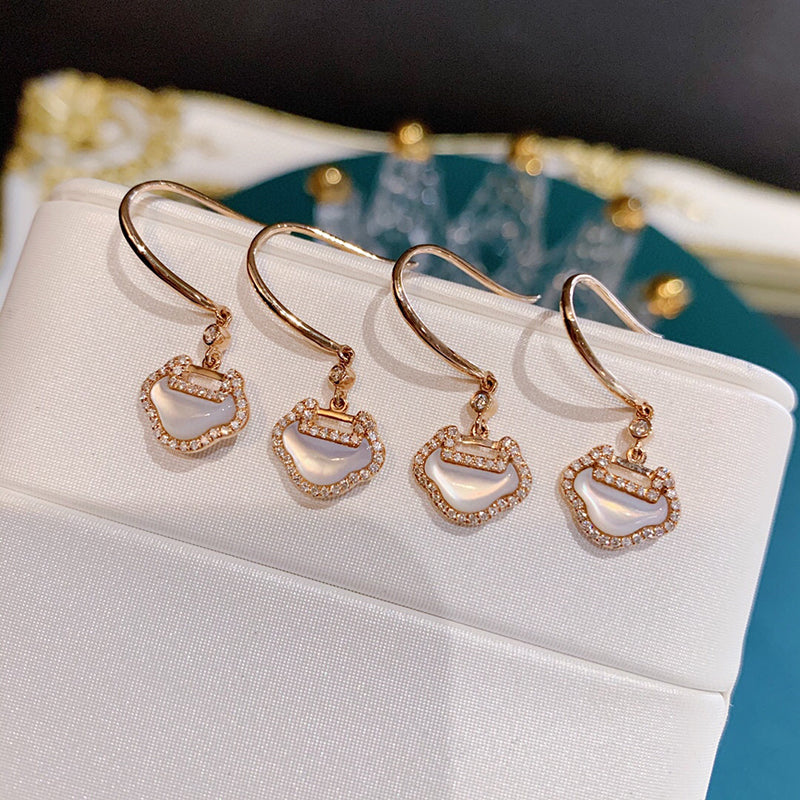 18K Gold 0.15ct Real Natural Diamond White fritillary Fashion Hook Earrings