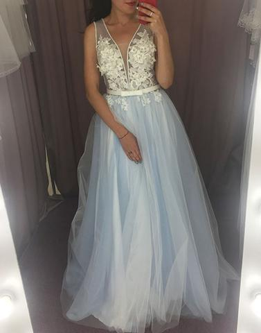 Deep V-Neck Long Prom Dresses Applique Evening Dresses Backless Tulle A-Line Formal Dresses