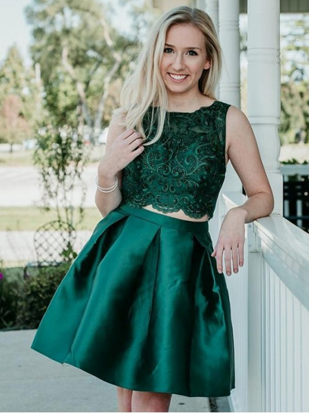 Green Short Homecoming Dresses Applique Beaded Short Homecoming Dresses Satin Short Homecoming Dresses