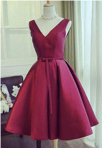 Simple Short Homecoming Dresses V-Neck Prom Dresses Knee Length Evening Formal Dresses