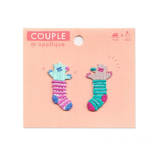 AIUEO Applique Couple Badger