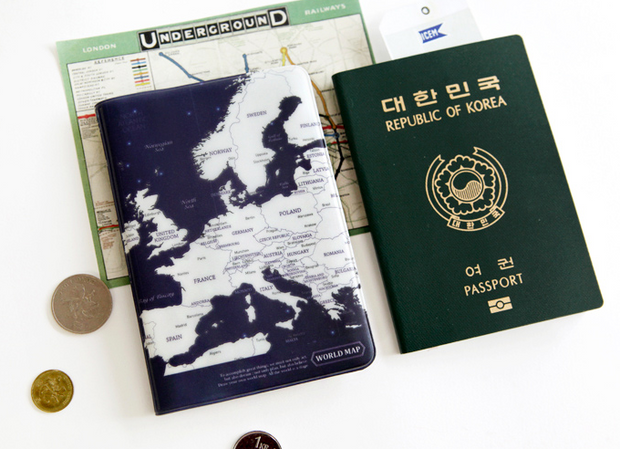 worldmap passport cover-indigo
