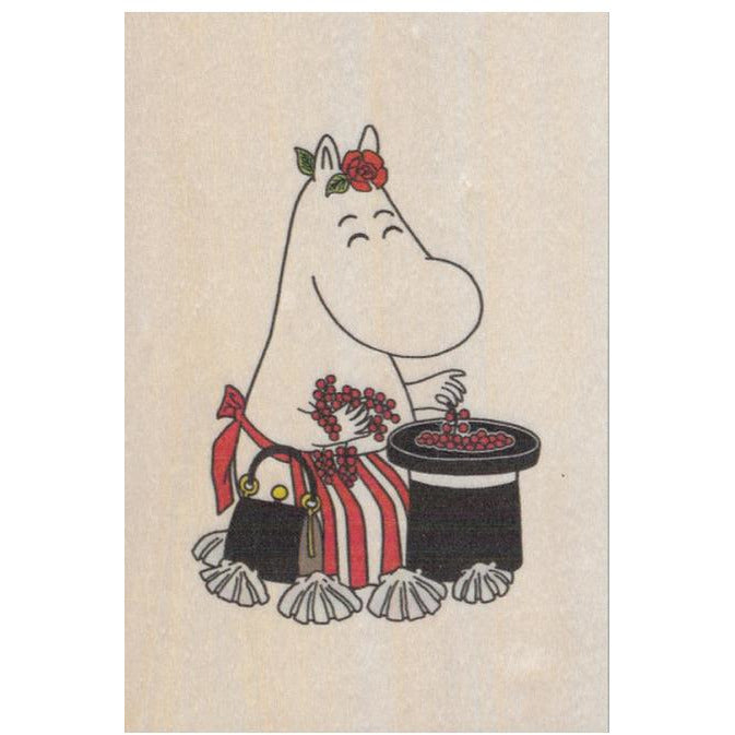 Plywood postcard Moominmamma Collecting Berries - .