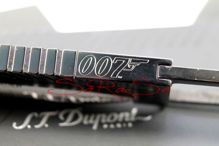 Schlüsselring S.T. Dupont James Bond 007 Limited Edition Gun Metal in Form einer Patrone mit Q-Funktionen. Art.-Nr. 3107
