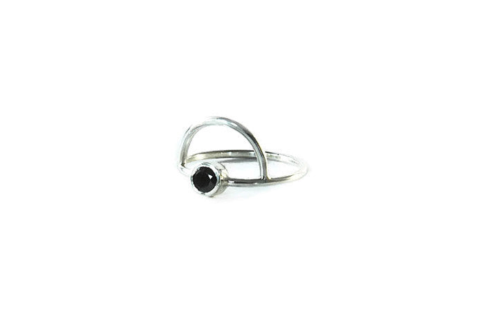 Sterling silver ring with arch detail and 4mm semi-precious Onyx stone.