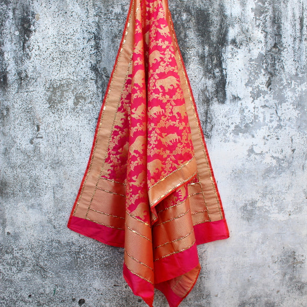 Pink Shikargaah Dupatta With Highlighted Border - shoonya banaras