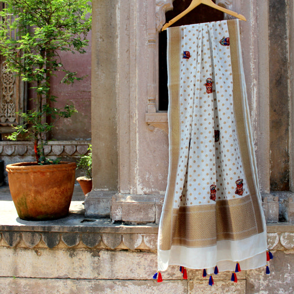 Cotton Silk White Banarasi Dupatta With Quirky Appliques - shoonya banaras