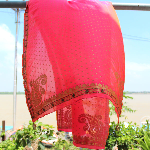 Raani Pink Color Silk Banarasi Dupatta With Handwork Border - shoonya banaras
