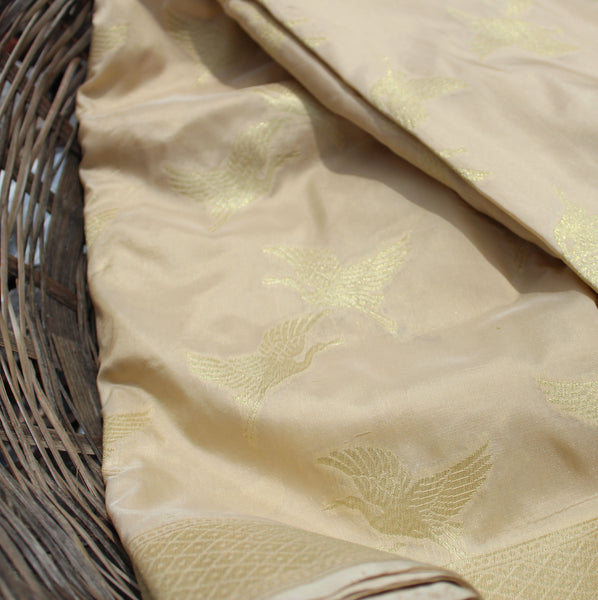 Off White Color Banarasi Silk Saree With Bird Motifs - shoonya banaras
