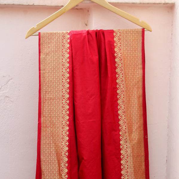 Red Color Katan Silk Handloom Banarasi Dupatta - shoonya banaras