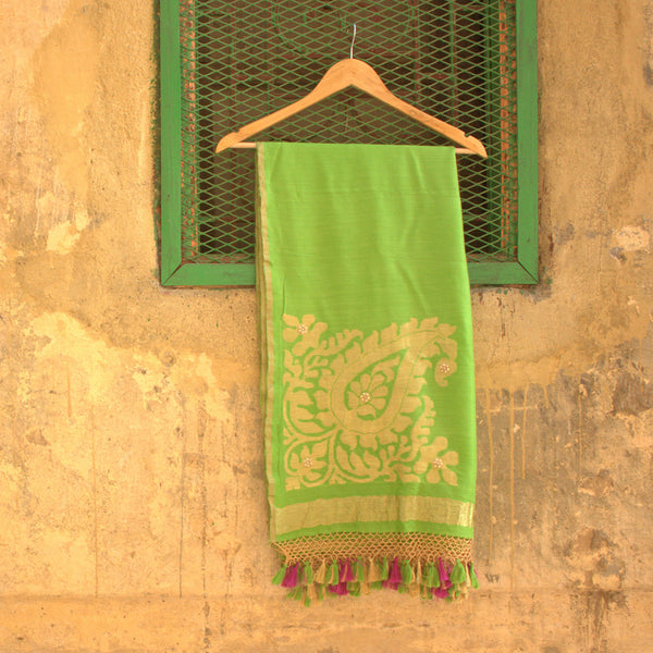 Pure Moonga Silk Shamrock Green Dupatta - shoonya banaras