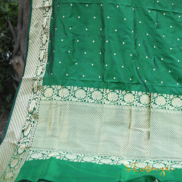 Bottle Green Pure Banarasi Silk Saree With Thin Zari Border - shoonya banaras