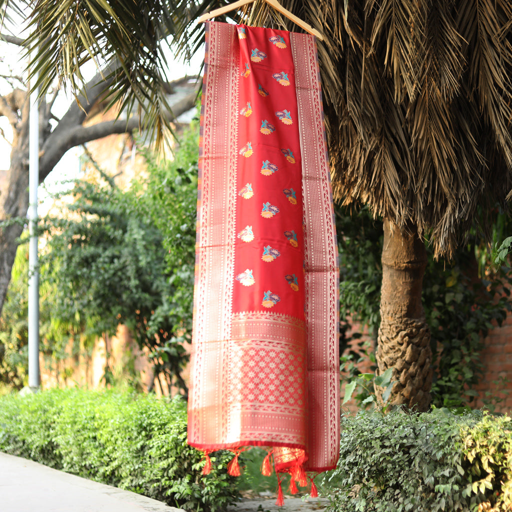 Red Meenakari Banarasi Silk Dupatta With Zari Border - shoonya banaras