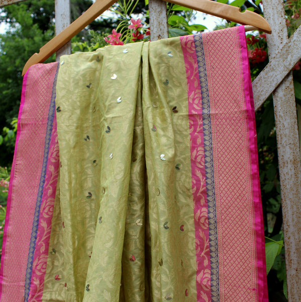 Pear Green Pure Silk Dupatta With All Over Rose Jaal - shoonya banaras