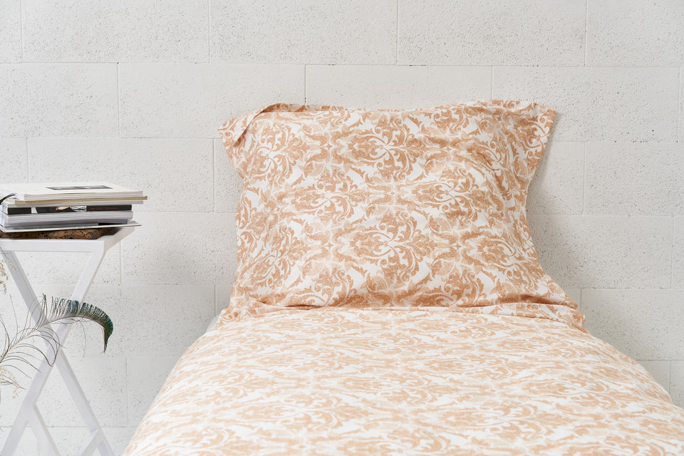 "Bedding Set ""Damask Light"""