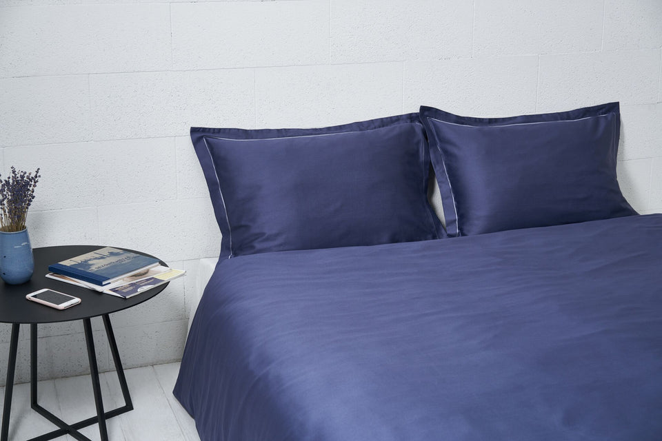"Bedding Set ""Indigo"" Covered by Frame-Sewing"