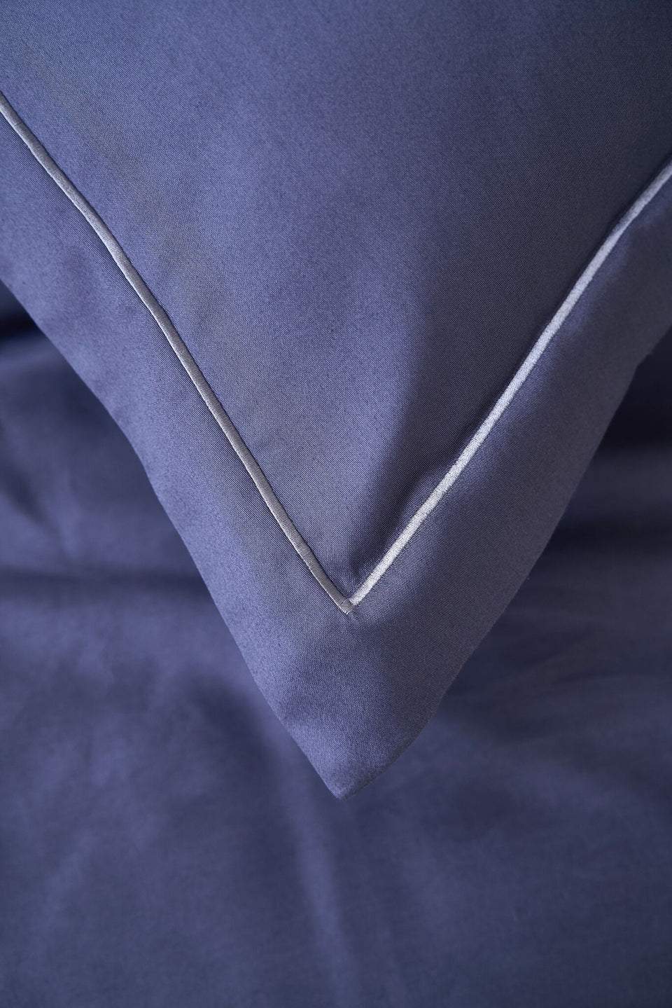 "Pillow Cover ""Indigo"" Covered by Frame-Sewing"