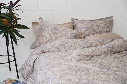 "Bedding Set ""Berries Of Harmony Light"""