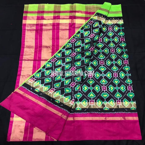Ikkat pattu Saree-Multicolor-Sitarini-SITIPS551