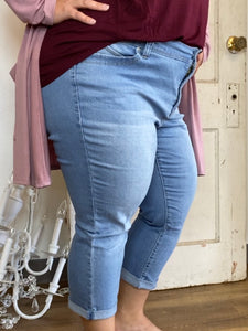 Light Wash Cuffed Capris (Sizes 14W-24W)