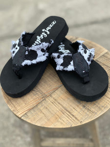 Black and White Jazz Frayed Flip Flops