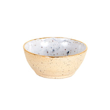 Sm Cream Pinch Bowl With Gold Rim