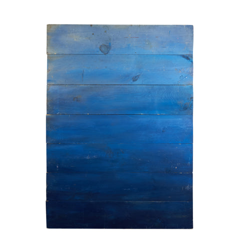 Md Vertical Blue Gradient On Barnboard