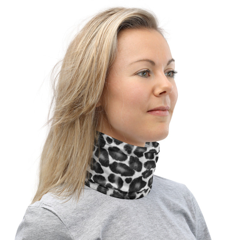 Black and White Leopard Neck Gaiter