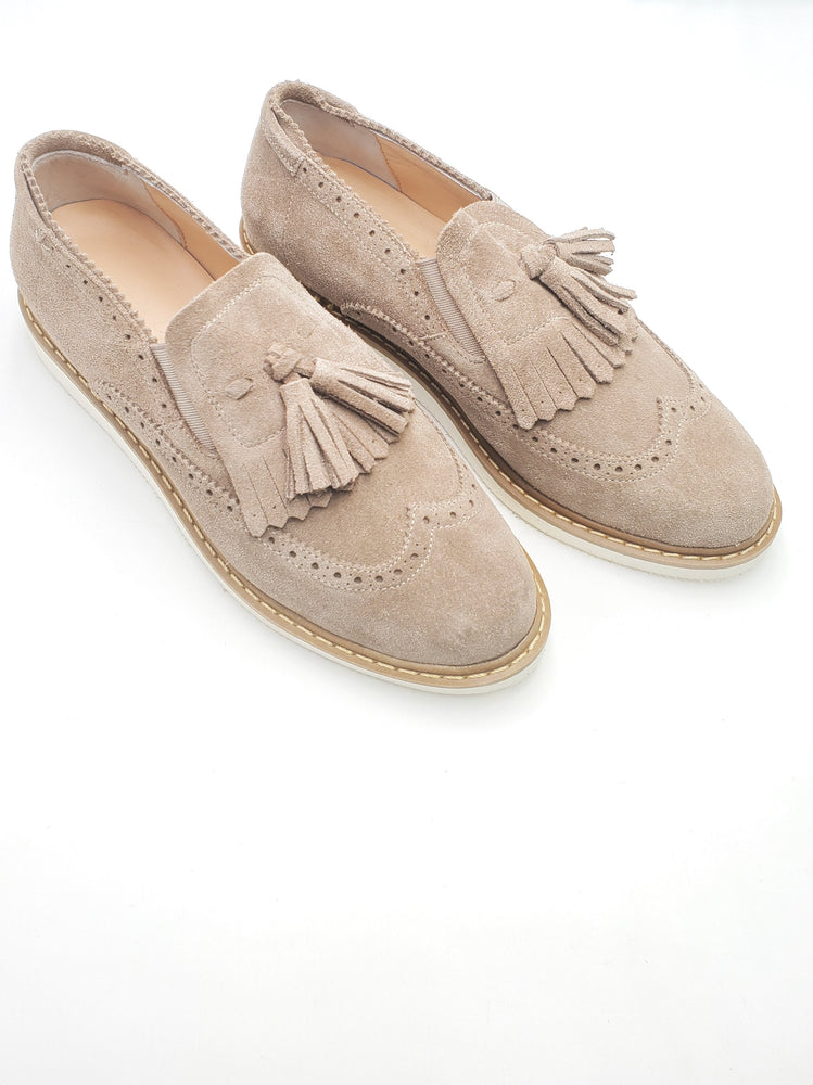 Load image into Gallery viewer, Beige Tassel Sneakers